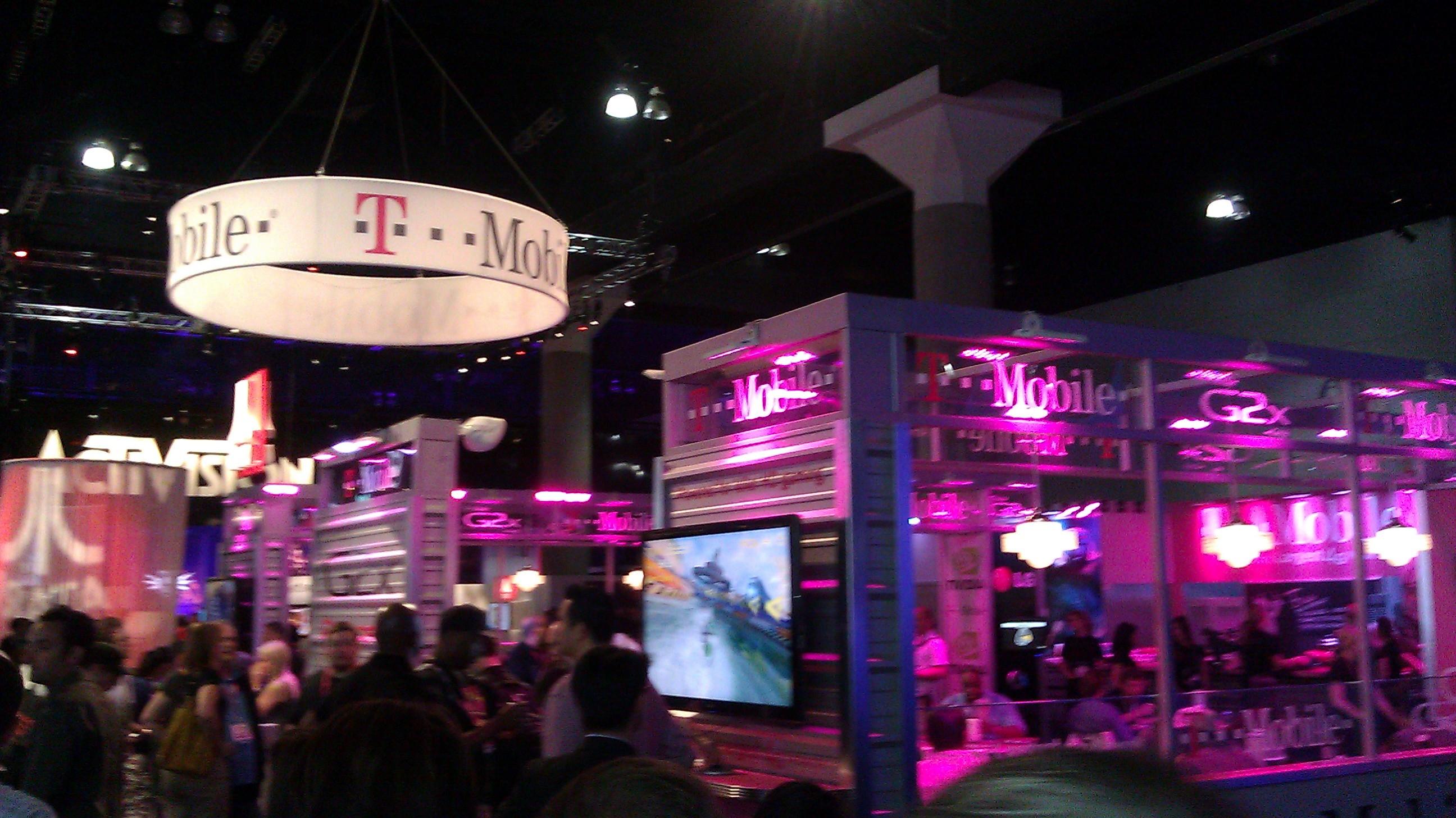 e3_t-mobile booth