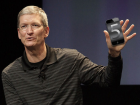 Tim_cook_iphone5