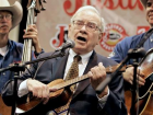 warren-buffett-plays-yukelele