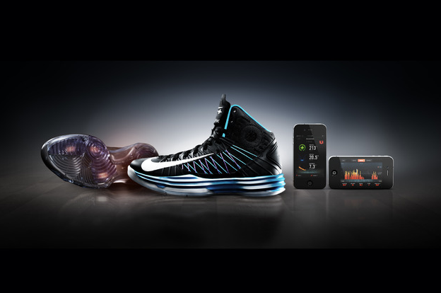 Adición pozo esposas  Nike Introduces Nike+ Basketball Sneakers With High-Tech Sensors - Lauren  Goode - News - AllThingsD