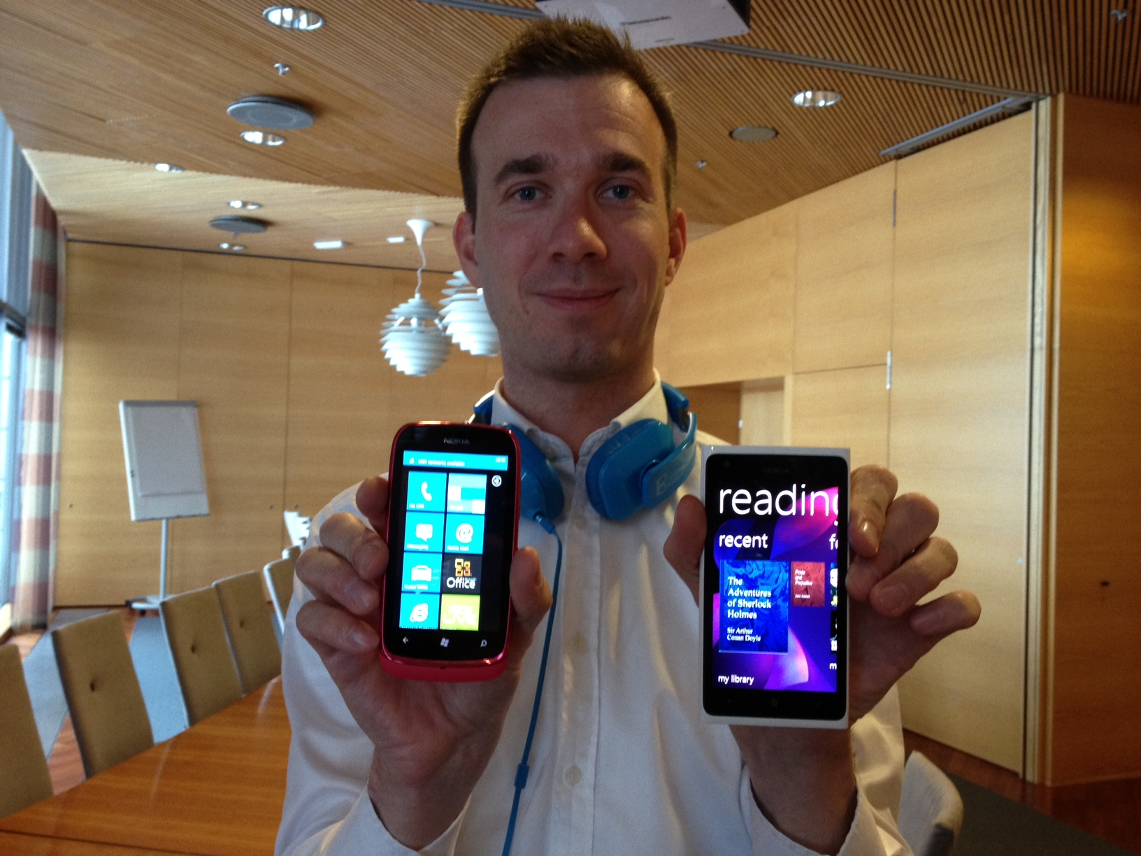 With Lumia 610, Nokia Aims to Take Windows Phone to a New Low (Price