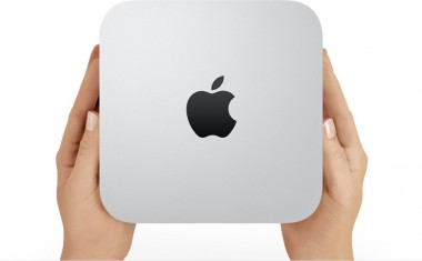 Mac_mini_hands