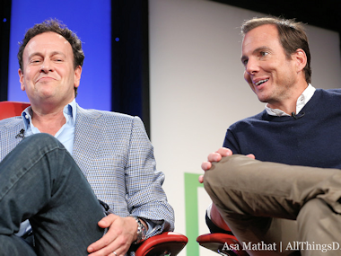 "To Do Tonight: Watch the New ""Arrested Development."" All of It."