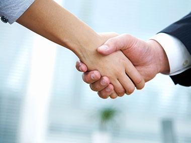 handshake380