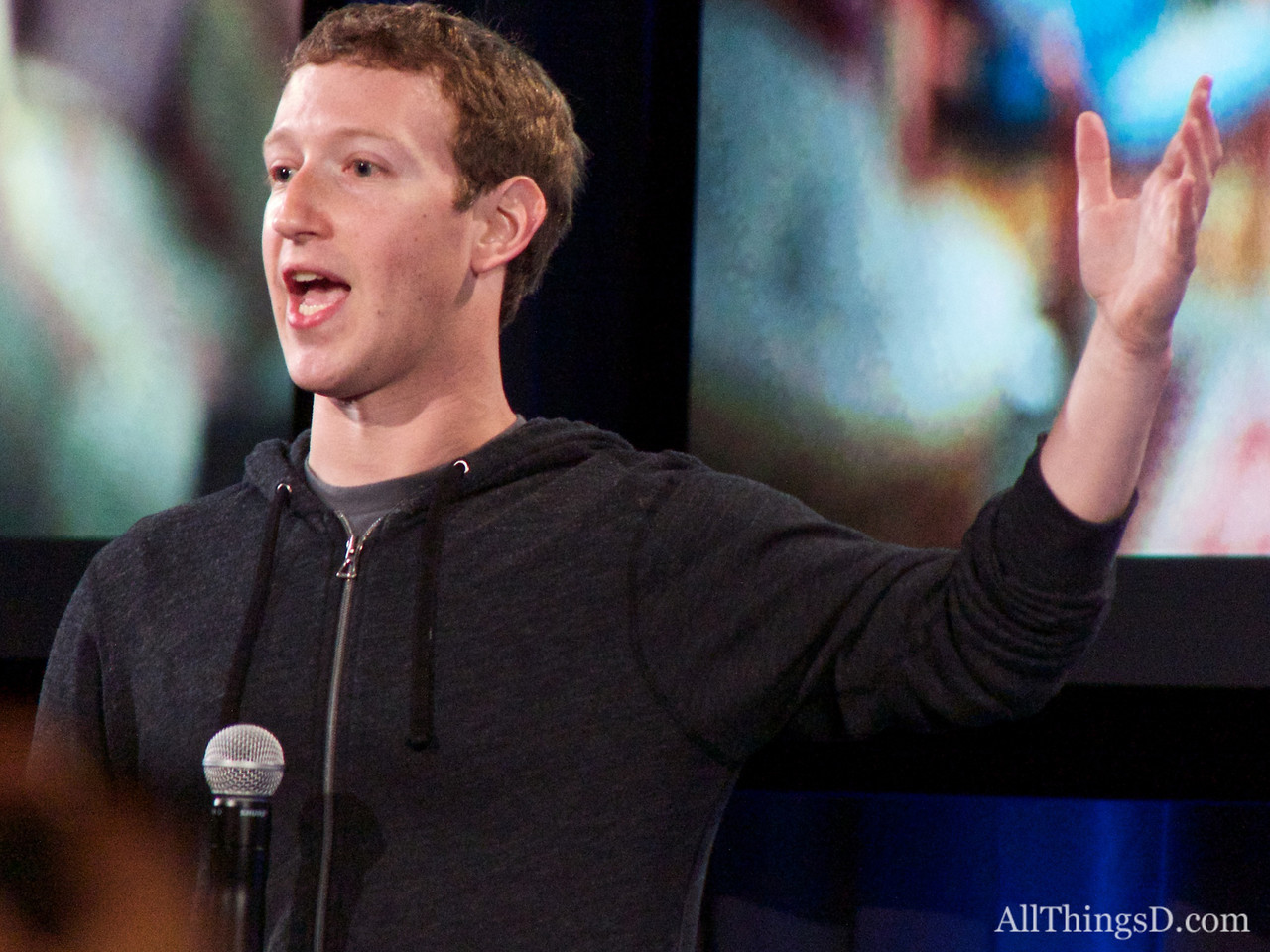 Mark Zuckerberg Has Some Advice for Twitter's IPO: Don't Be Afraid