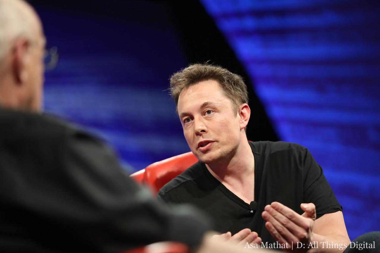 Elon Musk's Plea to Internet Entrepreneurs: Do Something Different