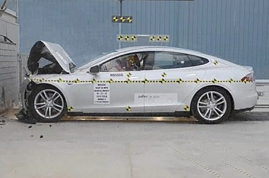 Tesla_crash_test_cropped