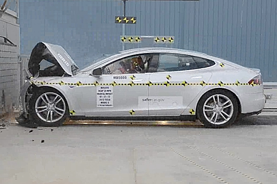 Tesla's Model S Breaks Roof-Testing Machine, Car-Safety Record