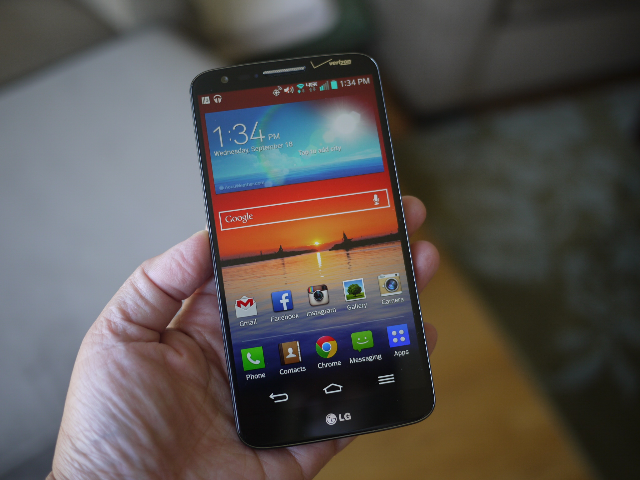LG G2: A Solid Performer Held Back by Design, Software Flaws