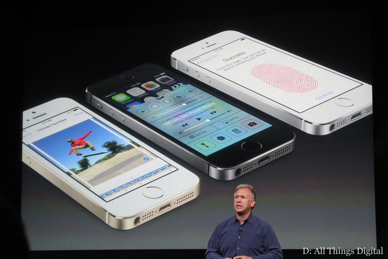 """Apple: Demand for New iPhones Has Been """"Incredible"""""""
