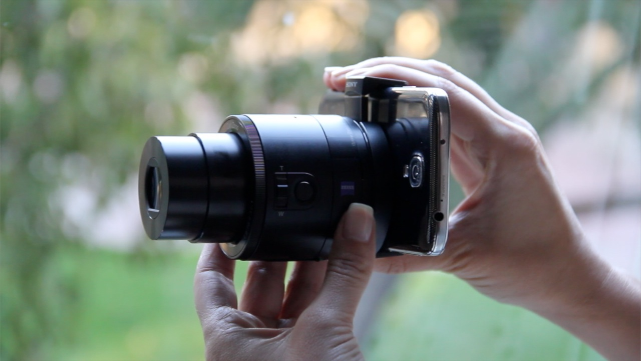 Review Of Sonys Qx10 And Qx100 Lens Style Cameras Lauren Goode Sony Camera On Android