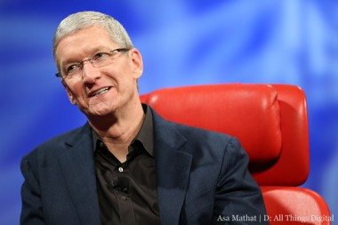 Tim_Cook_red_chair