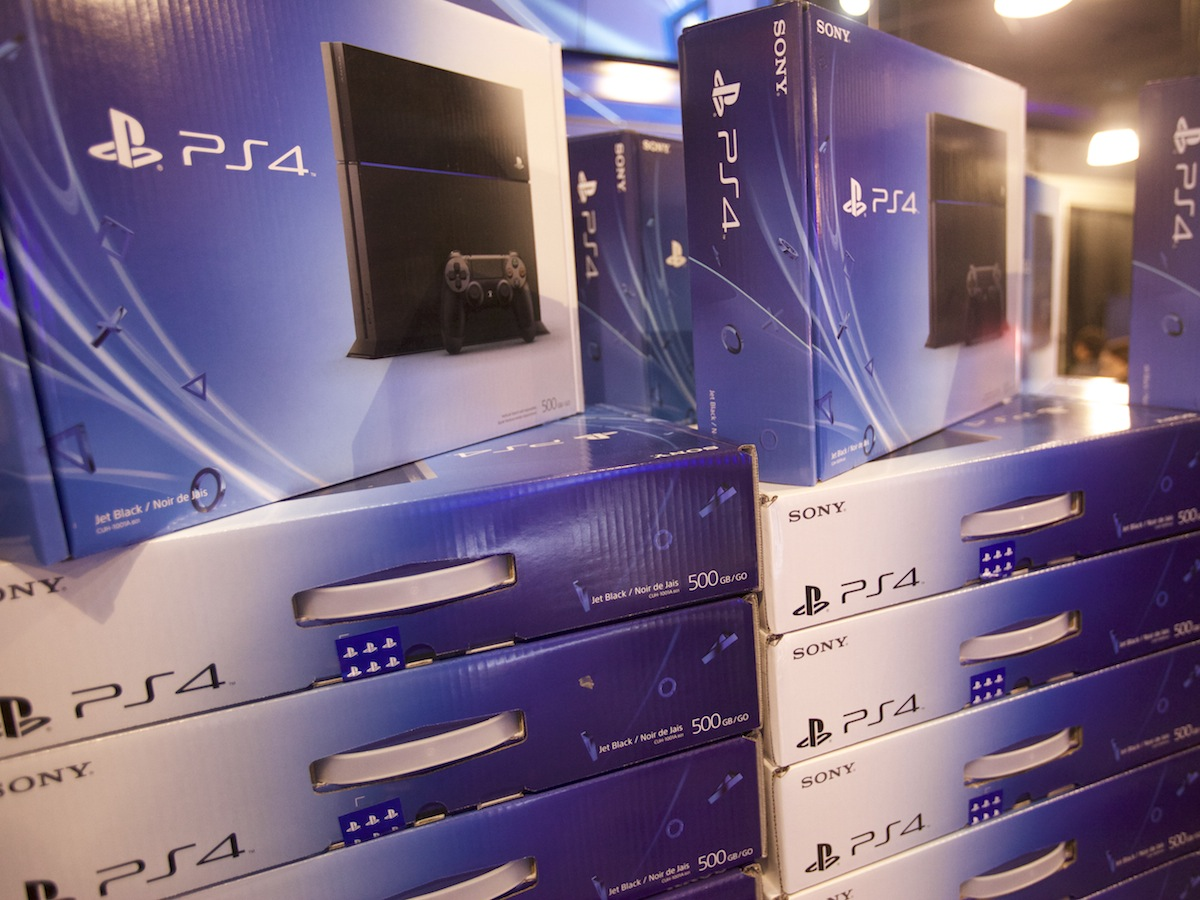 PlayStation 4 Tops Gaming Hardware Sales in November, but Game Sales Are Way Down