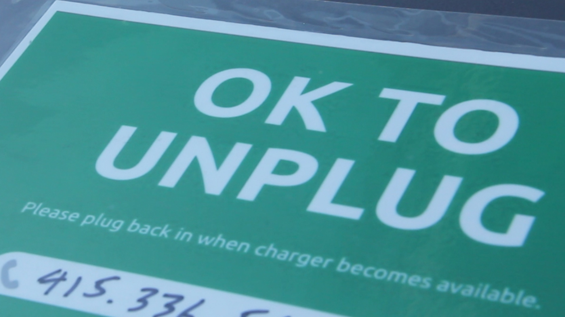 Electric-Vehicle Owners Get Charged Up Over Charging-Station Manners